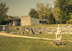 Carnuntum - amphitheatre