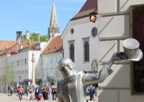 Bratislava's  famous Schöne Náci (c) PaulCosmin pixabay.com