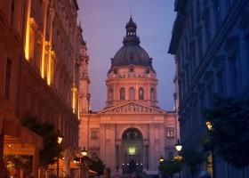 St Stephen's Basilica in Budapest (c) Unsplash pixabay.com