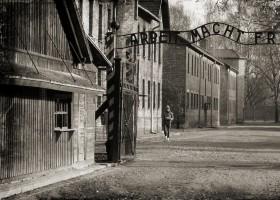 Concentration camp Auschwitz-Birkenau in Poland (c) DzidekLasek pixabay.com