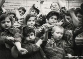 Children (c) www.auschwitz.org